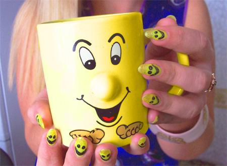 Дизайн моих ногтей: весёлые улыбки