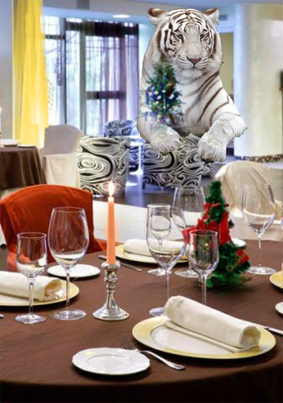 Новогодний интерьер и праздничный стол