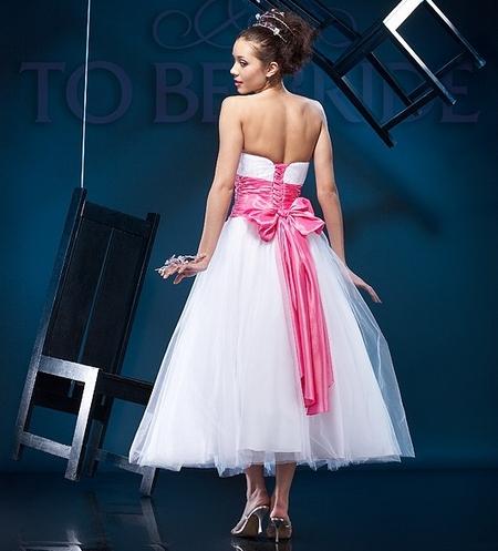 Пышное платье невесты в стиле 50-х