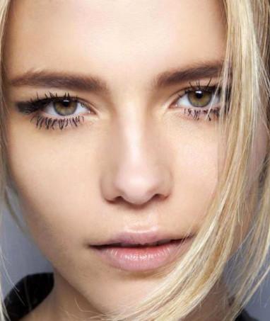 Модная естественность в макияже моделей Lanvin