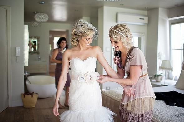 Сборы невесты к алтарю