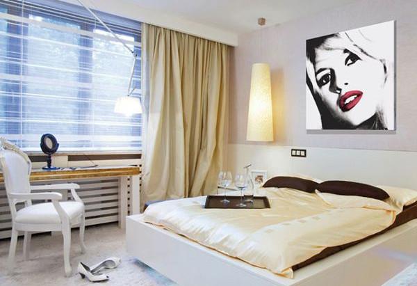 Постеры в спальне