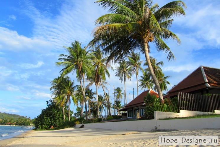 На пляже Bang Rak Samui