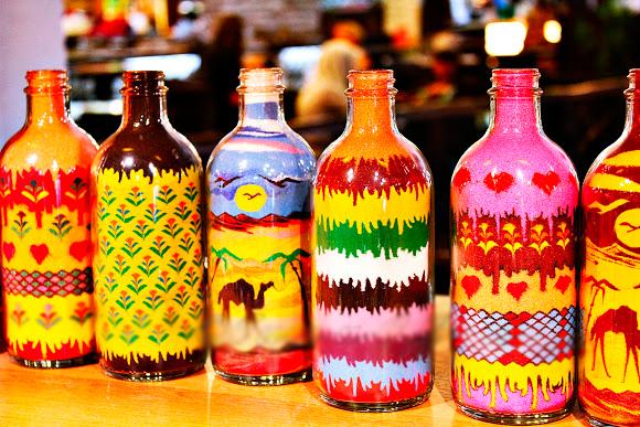 Сувениры из Малайзии - бутылки с цветным песком